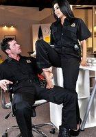 Полицейский трахает сотрудницу