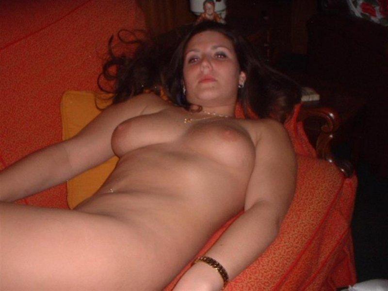 Красоточки слили картинки с оголенными титьками в интернет секс фото