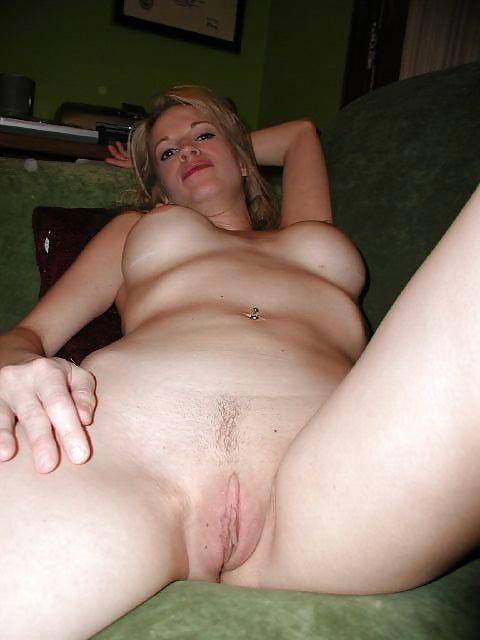 Неимоверная блондинка радуется что заслужила сперму на лицо
