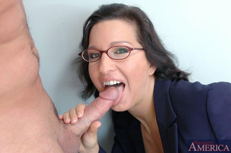 Начальница занимается сексом с соискателем на собеседовании