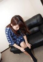 Азиатка с маленькими сиськами мастурбирует вагину вибратором 6 фотография