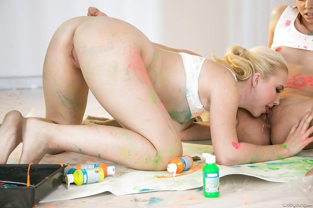 связи этим трахаются измазанные к краске первого дня менструации