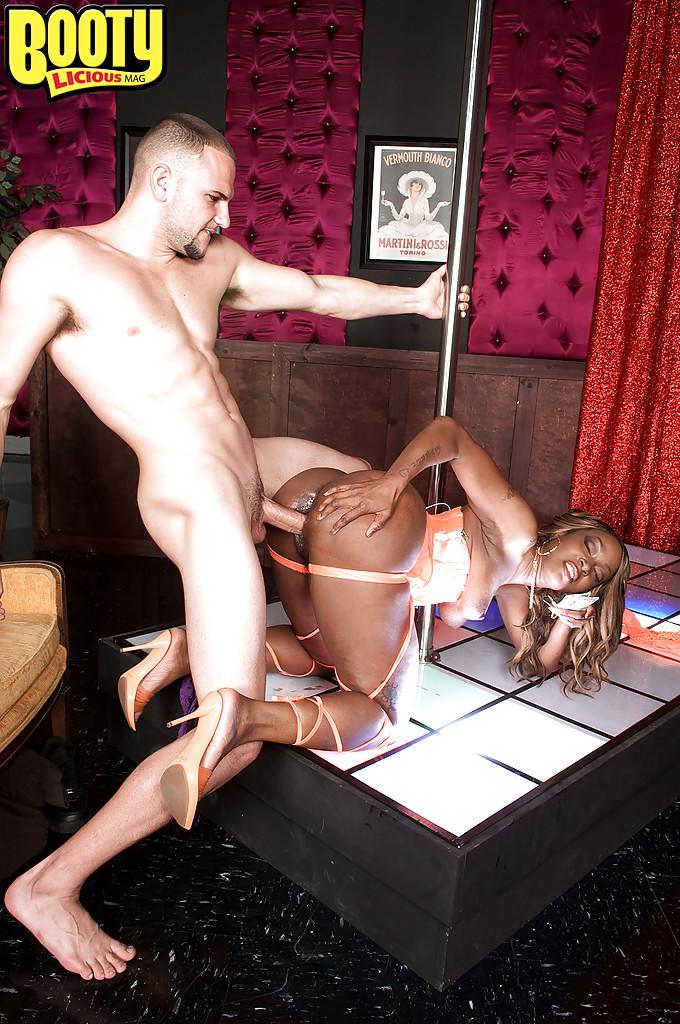 Свадьбе порно вечеринки в стрипклубе