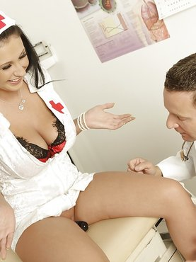 Горячие медсестры порно фото