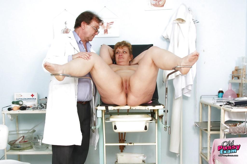 На приеме у гинеколога в старушке оказался вагинальный расширитель смотреть эротику