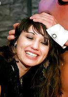 Пьяные давалки занимаются групповым сексом на развратной вечеринке 11 фотография