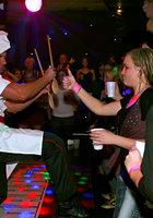 Мужской персонал ночного клуба трахает посетительниц в разгар вечеринки 1 фотография