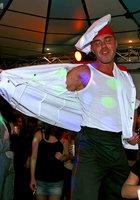 Мужской персонал ночного клуба трахает посетительниц в разгар вечеринки 2 фотография