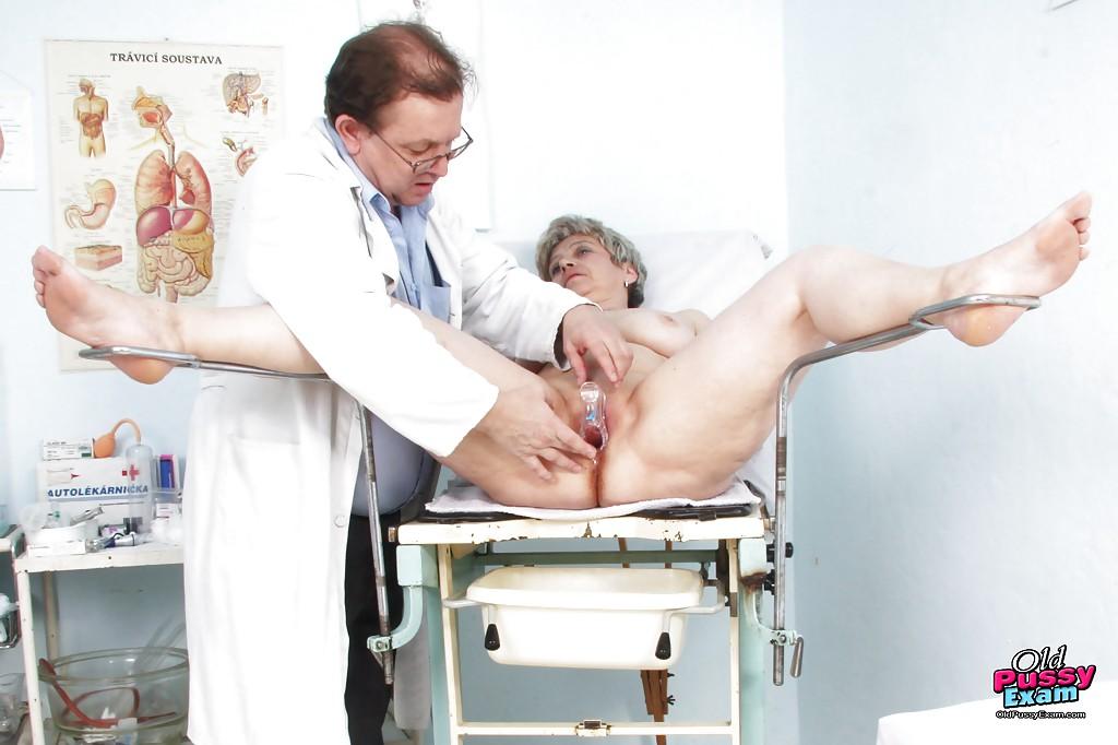Бабушки У Гинеколога Порно