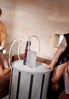 Инопланетные свингеры занимаются групповым сексом в доме 6 фотография