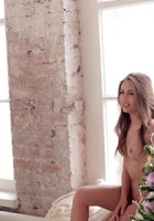 Актриса Юлия Михалкова разделась для журнала MAXIM 7 фотография