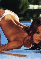Любовь Толкалина разделась до трусиков в бассейне 11 фотография