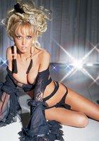 Телеведущая Маша Малиновская, Обнаженка в эро-журналах 11 фотография