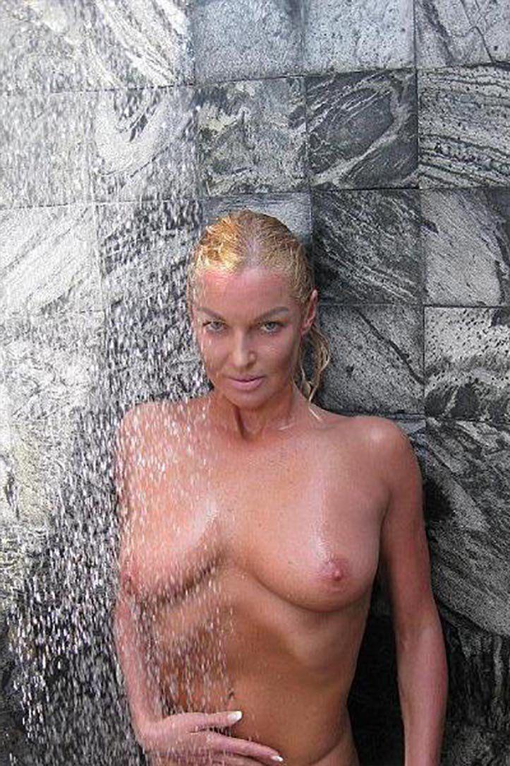 Анастасия Волочкова, Украденные из Вк интим фото