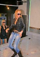 Пьяная оргия в чешском ночном клубе 8 фотография
