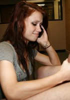 Бестия в серой футболке дрочит фаллос приятеля во время разговора по телефону 9 фотография