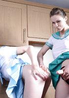 Две морячки в униформе занимаются лесбийским сексом на кухне 11 фотография