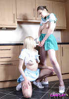 Две морячки в униформе занимаются лесбийским сексом на кухне 13 фотография